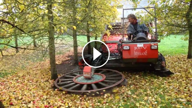 Wicked Apple Picking Machine