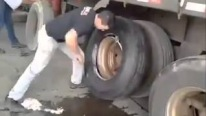 How to Change A TRUCK TIRE In LESS Than A MINUTE Like a BOSS