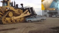 The Car Crusher! Huge Caterpillar D11T Bulldozer