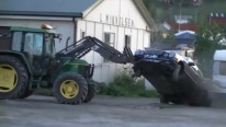 How to Stop Thieves Like a BOSS! Stupid Thief vs The Tractor Owner