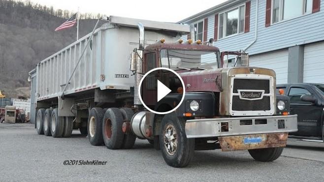 The Coolest Truck Sound Ever! 12V71 Detroit Diesel Under The Hood Of BROCKWAY!