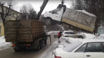 Badass Tow Truck Loads another Huge Truck like a BOSS