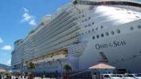 "World's Largest Cruise Ship ""Oasis of the Seas"""