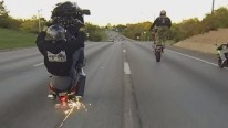 2014 Suzuki Hayabusa Stunts on Highway