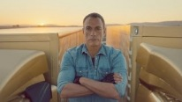 Volvo Trucks - The Epic Split with Van Damme