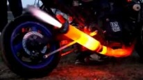 FIRE THROWING Motorcycle Exhaust like F1 Formula car