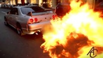 Nissan Skyline R33 Shoots HUGE FLAMES in Traffic - Police let him off!