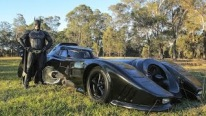 "Man Spends Two Years Building Iconic 1989 Car ""Batmobile"""
