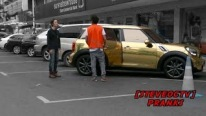 Golden Wrapped Mini Cooper - Taxi Prank