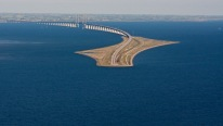 This INSANE Looking Bridge Turns Into a Tunnel and Connects Denmark and Sweden