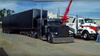 Peterbilt 379 Completely in Black