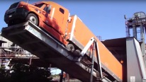 How to Unload Schneider Truck with Phelps Hydraulic Truck Dumper