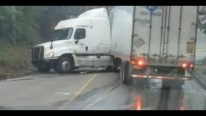 American Truck Driver Fails at Low Bridge U-Turn