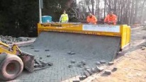 Amazing Brick-Layer Paving Machine Works Wonders