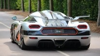 "The World's First Megacar ""Koenigsegg One:1"" Photoshoot"