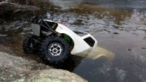 Incredibly Cool Toyota Hilux Axial SCX10 R/C Truck Goes Even Under the Ice!!!