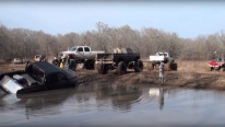 Crazy Footage: Dodge Ram Mud Truck Stuck in Mud So Badly!!!