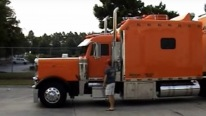 A Lovely Home on Wheels: Badass Peterbilt with 132 Inch Sleeper