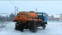 Insanely Brave Russian Truck Driver+Excrement Suction Truck+Snowy Road= Absolute Fun