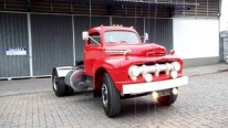 Outstandingly Restored 1951 Model Ford F-8 Is Worth to Check Out