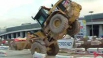 Extremely Skillful Operator Performs a Unbelievably Cool Freestyle Show with Badass CAT Wheel Loader