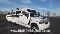 Hummer Transformer H2: Extraordinarily Cool Vehicle Can Compete With a Vegas Club!