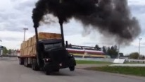 The Far Best Moments of an Exciting Race: Peterbilt Semi Trucks Are Beyond Perfection!