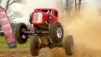Monstrously Cool and Insanely Powerful Mega Truck Performs a Breathtaking Show in the Mud