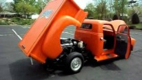 Big Block Powered 1954 Chevy Pickup with Perfectly Matte Orange Paintjob is the Dream of Every Chevy Lover