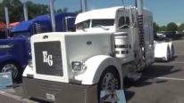 Peterbilt Does the Best: 379 Long Nose Peterbilt Truck of Miami