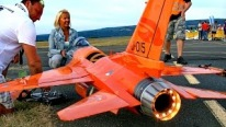 IQ Hammer Powered 1/5,5 Scale F-16 Cobra R/C Jet from Germany
