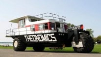 Amphibious Vehicle, Combination of Tractor and Houseboat, Launches Like a Pro