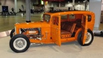 1932 Ford 4 Door Highboy Sedan Custom Hot Rod Shows Off Its Stunning Beauty at the World of Wheels