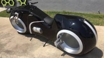 The Neutron Electric Motorcycle by Parker Brothers Concepts Brings Futurism into Reality!