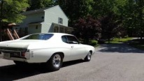 1977 Chevrolet Chevelle Looks Extremely Elegant in White Paintjob