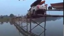"Braveheart Driver Crosses Across a Weird Wood Structure Called ""Bridge"" Like a Hero!"