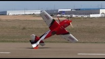Martin Pickering Performs an Awesome Acrobatic Show with Huge R/C Aircraft