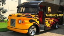 Hot Rod UPS Delivery Truck Catches Great Attention and Draws a Huge Crowd Around Itself at 2018 NSRA