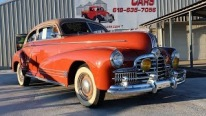 Very Rare Very Cool 1942 Pontiac Torpedo Offers a Smooth Driving Experience