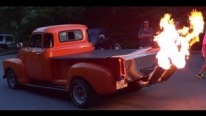 1949 GMC Hot Rod Pickup Throw Flames Like a Fierce Dragon