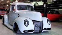 """40 Shades of Gray"": Carolina Kustoms Transforms An Old 1940 Ford Pickup Into a Real Show Winner"