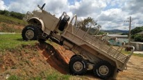 """Mamute"": Engesa-Mercedes Benz LG-1519 6X6 Truck is Built to Overcome All the Obstacles"