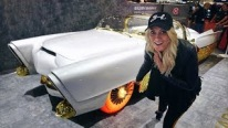 Pretty Blondie Introduces Us a Custom 1953 Lincoln Capri with Glowing Tires