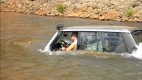 Cool Range Rover Switches to Submarine Mode and Goes Underwater