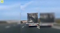 Strong Wind Wafts the Huge Truck Like a Feather-Must See!!!