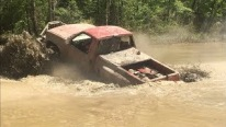Gangsta Mud Trucks Cross the River Like a Pro!