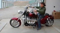 Boss Hoss Cycles' 383ci 430hp Stroker Engine Powered Bike Sounds Wonderful!
