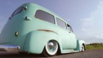 1953 Chevrolet Suburban is Built to Amaze the Eyes Looking at It!