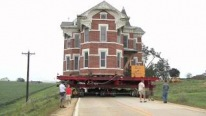 Moving a 400-Ton Brick House To a New Place on Wheels