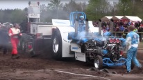Slædehunden: Heavily Modified Tractor Powered by V12 Rolls Royce Griffon Engines From WW2 Fighter Planes